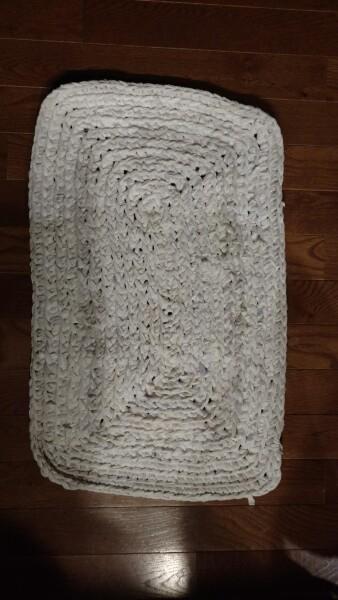 white amish knot rug